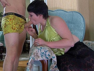 Stephanie&Steve attractive mommy on movie scene