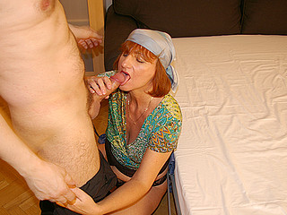 This horny housewife can't live out of fucking and engulfing